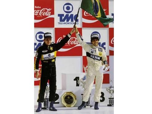 20110321-os_25_Piquet_Senna_bandeira