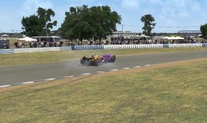 Garcia roda e Henrique bate